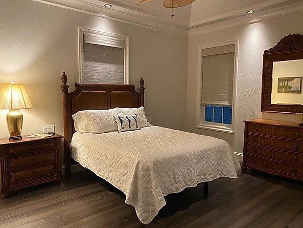 Queen adjustable bed in room 2